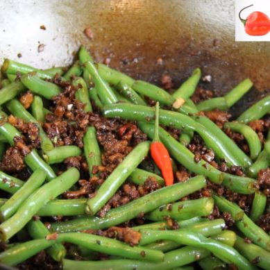 Green Beans Stir-fried With Chicken with CaribbeanPot